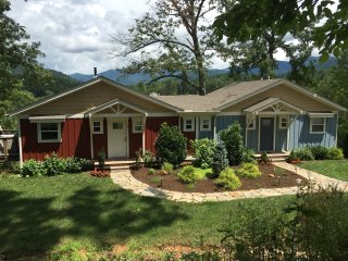 Newer cottage with great access to everything!