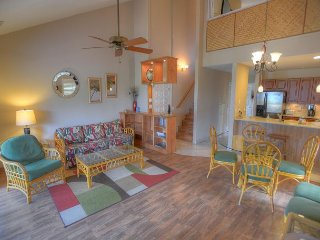 FALL SPECIALS! Front Row Two-Bedroom with an Amazing Ocean View, Kihei