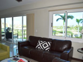Aqua Vista Three-Bedroom Condo - P211, Palm/Eagle Beach