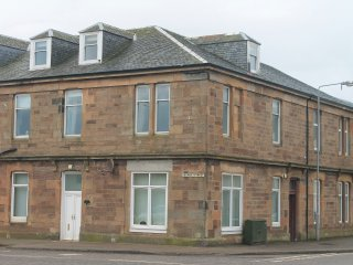 CAMPBELTOWN 4 BEDROOM SELF CATERING FLAT, Campbeltown