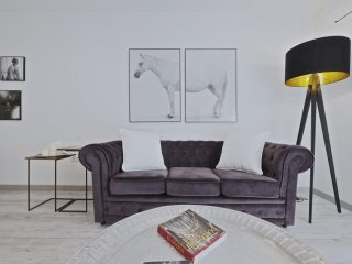 White Flat G24 apartment in Les Corts with WiFi, airconditioning, balkon & lift., Barcelona