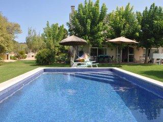 Casa de Campo Son Blai 4396 Muro con piscina y jardines grandes con cesped