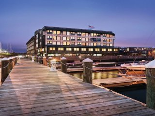 Wyndham Inn At Long Wharf Ocean View!