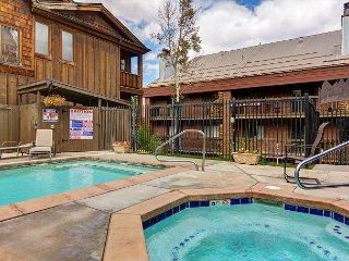 Snowblaze Lodge Condo - Car-Free Location Steps from PCMR, Hot Tub, Pool