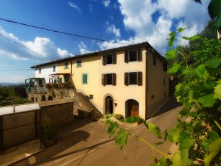 Charming house in quaint Tuscan mountain village, Fosciandora