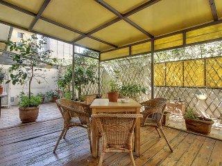 Guicciardini apartment in Oltrarno {#has_luxurio…