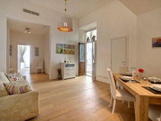 Landino apartment in Piazza della Libertá {#has_l…