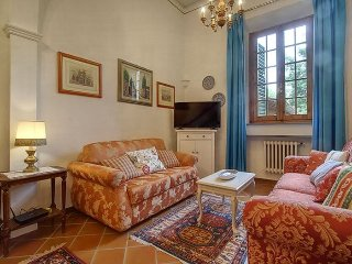 Tripoli Elegant apartment in Santa Croce {#has_lu…, Vinci