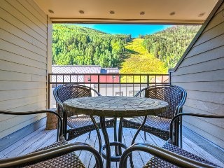 Condo right in town, walking distance to lifts, views of slopes and community hot tubs - Cimarron Sightlines