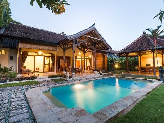 2 BD POOL VILLA Kamboja Seminyak Center