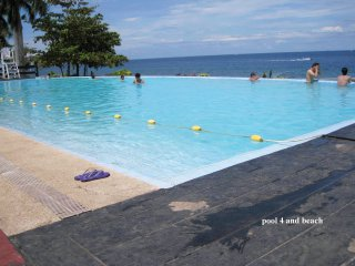 New Lux. 2BR condo- seaview - Beach+ 5 pools-Gym