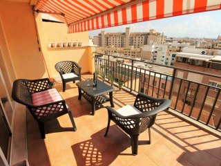 Nice penthouse with terrace and cityviews, Zufre