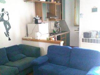 Grande stanza matrimoniale in appartamento, Reggio Emilia