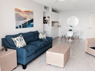One bedroom with Ocean Front, Isla Verde