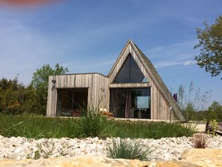 Wooden Ecolodge & shared Pool, South West France