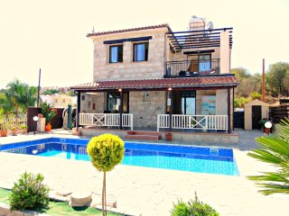 Stroumbi 3 Bed Villa - Private Pool - Sea Views