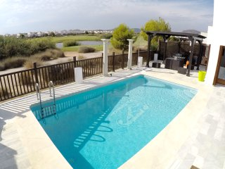 Rue De a Casa (tranquil frontline setting with panoramic El Valle lake views)