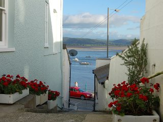 Seascape Apartment with Dovey Estuary views, Aberdovey