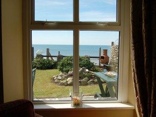 Dolphin Beach House, Tywyn
