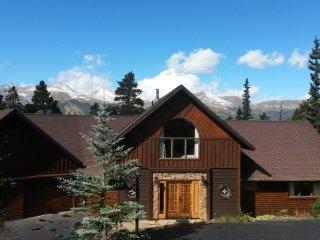 Space Wrangler Lodge    /     A Luxury Ski Chalet, Breckenridge