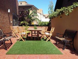 Casa con jardín privado y bodega en Zaragoza, Saragossa