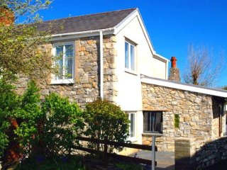 Beachmount Holiday Cottage, Mumbles