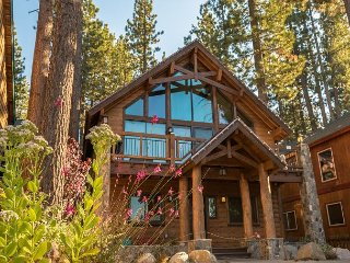 5BR/4BA Tahoe Luxury Rental, Prime Location, Steps away from the Lake & Beach
