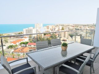 3b Seaview Duplex Penthouse1 Hot tub - Finikoudes beach