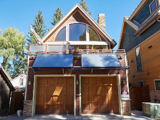 3BD, 3BA Aspen House with Hot Tub, Mountain Views