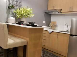 Cozy executive studio condo at BGC #2, Taguig City