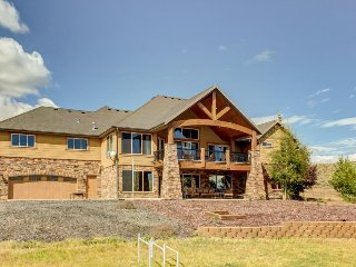 Lavish, secluded home w/game room & patios on 50 acres!, Kamas