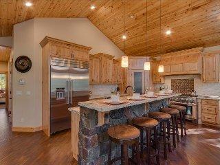 Big Bear Lodge - Sauna, Spa, Pool Table, Chefs Kitchen, Epic Game Room, 2, South Lake Tahoe