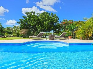 CYRANO... Irma Survivor! 3BR villa located in the heart of Terres Basses, St Mar