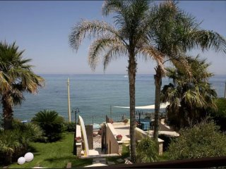 ** Exclusive Luxurios house on the beach ** FREE WI-FI