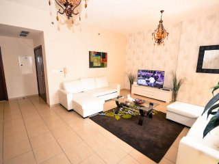 Alice Shams, a cosy 3BR apartment in JBR, Dubai