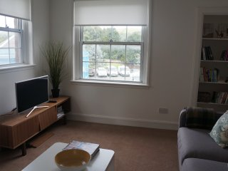 Centrally Situated Town Apartment, Melrose