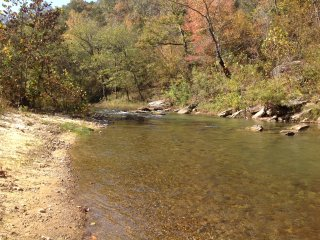 REMOTE CABIN RIGHT ON PINEY CREEK W/ SANDY ACCESS, Calico Rock