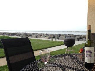 No Better View, No Nicer 2 Bedroom on Jersey shore, North Wildwood