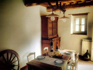 Rustico Dora sull'antico cammino della Francigena, Montemagno