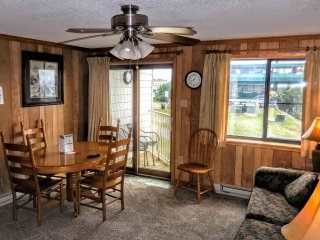 1BR/1BA Faces Slopes & Ballhooter Chair-Lift - Wi-Fi - Walk to Village!