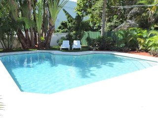 GRAND OPENING RATES FOR SAILORS COVE 1/1 FOR 4 GUESTS SHARED POOL MARINA VIEW, Dania Beach