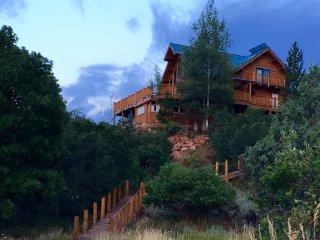 From   300 night 'CUSTOM CHALET' 5 br log home