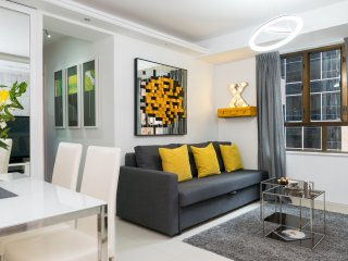 TripX! BRAND NEW SUPERB DESIGN*3bed/2bath*MTRs*KOWLOON*FREE TICKET DISNEY LAND*, Hong Kong