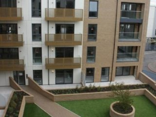 Amazing 2 Bedroom Apartment with Parking and Gym, Chelmsford