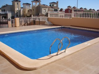 2nd Floor 2 Bed Apartment + Communal Pool + Wi-Fi