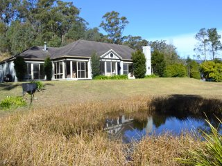 Secluded  country home beautiful vista & wildlife
