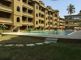 CasaMelhor: 2BHK Apartment With Working WiFi:CM064, Siolim