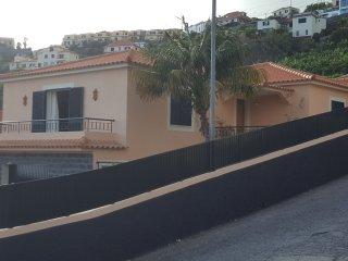 Maison avec piscine privee et chauffee, vue imprenable sur l'ocean
