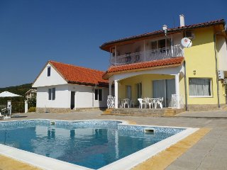 Family Villa With Large Private Pool, Sveti Vlas