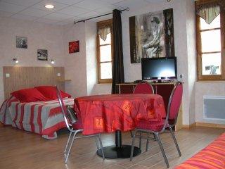 studio 3 étoiles face aux thermes, Neris-les-Bains